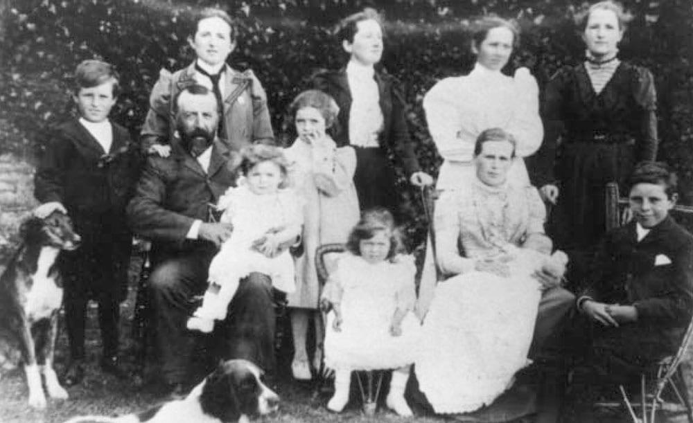 Hebditch Family circa 1900